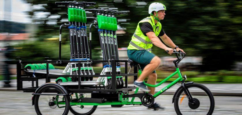 Elektrische vrachtfietsen verdelen huurstepjes over de stad