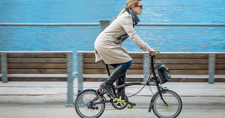 Onverzekerd rondrijden is verboden met een PLEV maar met een fiets mag het gewoon