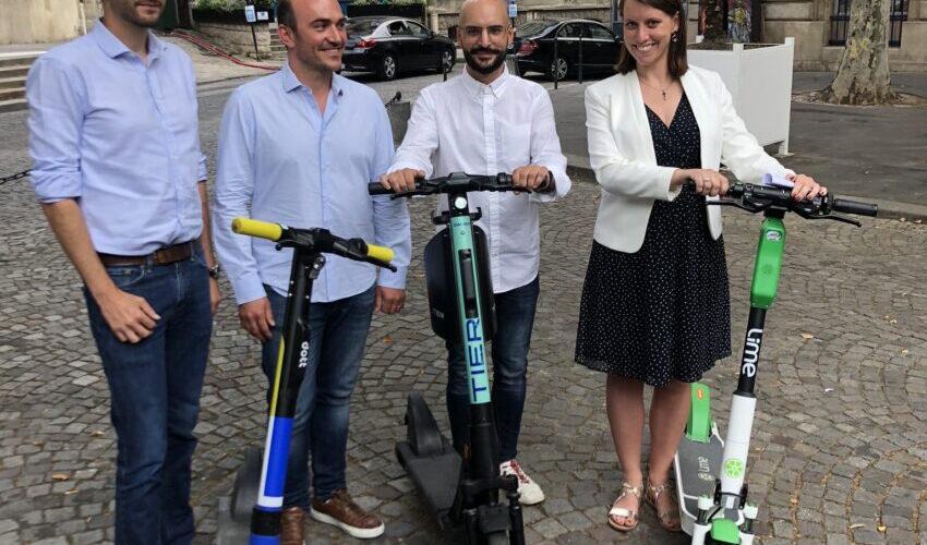 Parijs kiest uit 16 leveranciers van deelsteps Lime, Dott en TIER